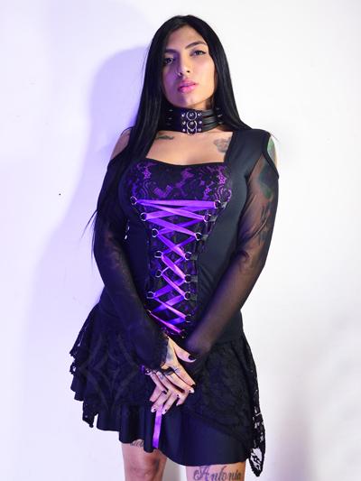 linda blusa gotica negra cintas moradas manga larga tipo guante velo strech comoda licrada ajustable envios nacionales domicilios bogota soacha