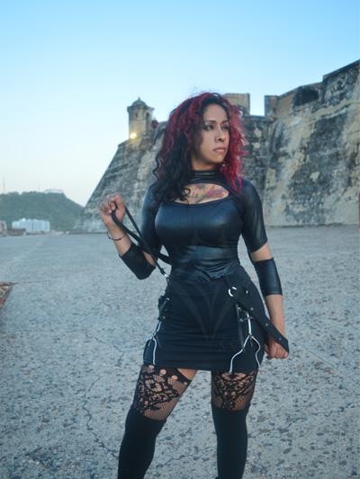 linda falda algodon negra tirantes cremallera lateral licrada estilo rocker alternativo strech comoda envios nacionales domicilios bogotan soacha