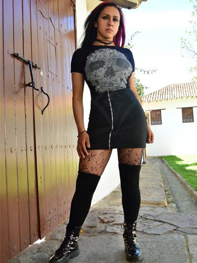 linda falda tela strech color negra cremallera frontal plateada licrada comoda juvenil rockera envios nacionales domicilios bogota soacha