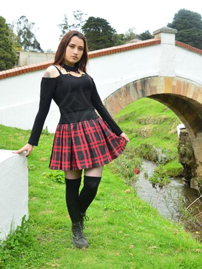 linda falda escosesa prenses pretina alta roja medias liguero negras strech comoda licrada envios nacionales domicilio bogota soacha