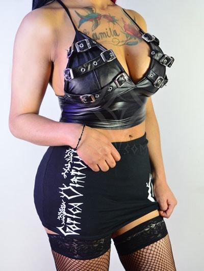 blusa cuero cuerina hebillas sintetico brillante hermoso rock metal gotico estilo femenino sexy bogota entregas todo pais colombia departamentos