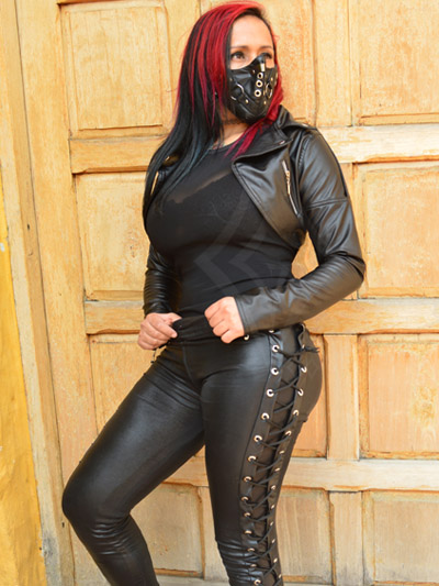 leggins sintetico brillante cordon lateral diseno ajustado sexy casual rock metal tienda colombiana producto nacional soacha chia sogamozo funza